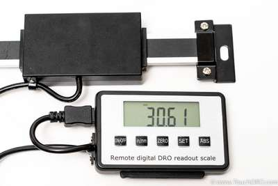 Digital Linear Scale with Remote Square Display (5403-xxxA)